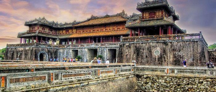 Một tour du lịch Huế ấn tượng với sự giúp đỡ hỗ trợ tận tình của đội ngũ Công ty Du lịch Rồng Việt Nam